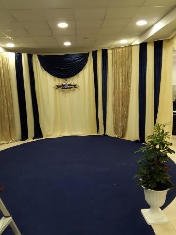 כניסה לאולם כולל שטיח